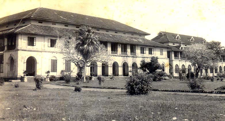 Old Picture of Maharajas College_0