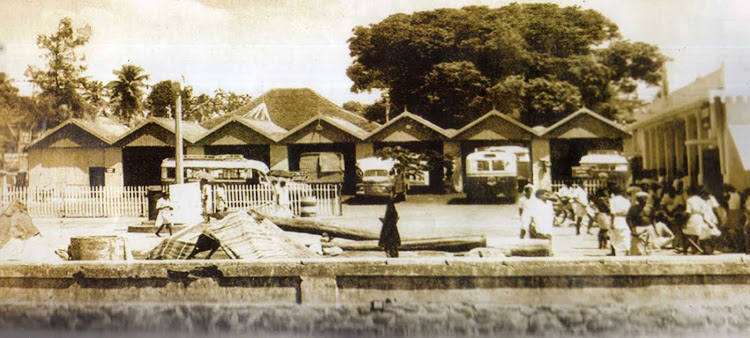 Kerela-state-transport-bus-stand-Ernakulam-on-1966